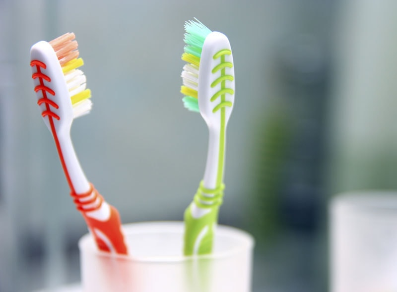 Dentists Waldorf 5 common mistakes when brushing teeth.